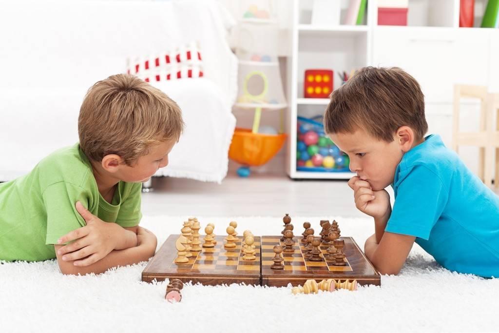 Как научить ребенка играть в шахматы: советы гроссмейстера