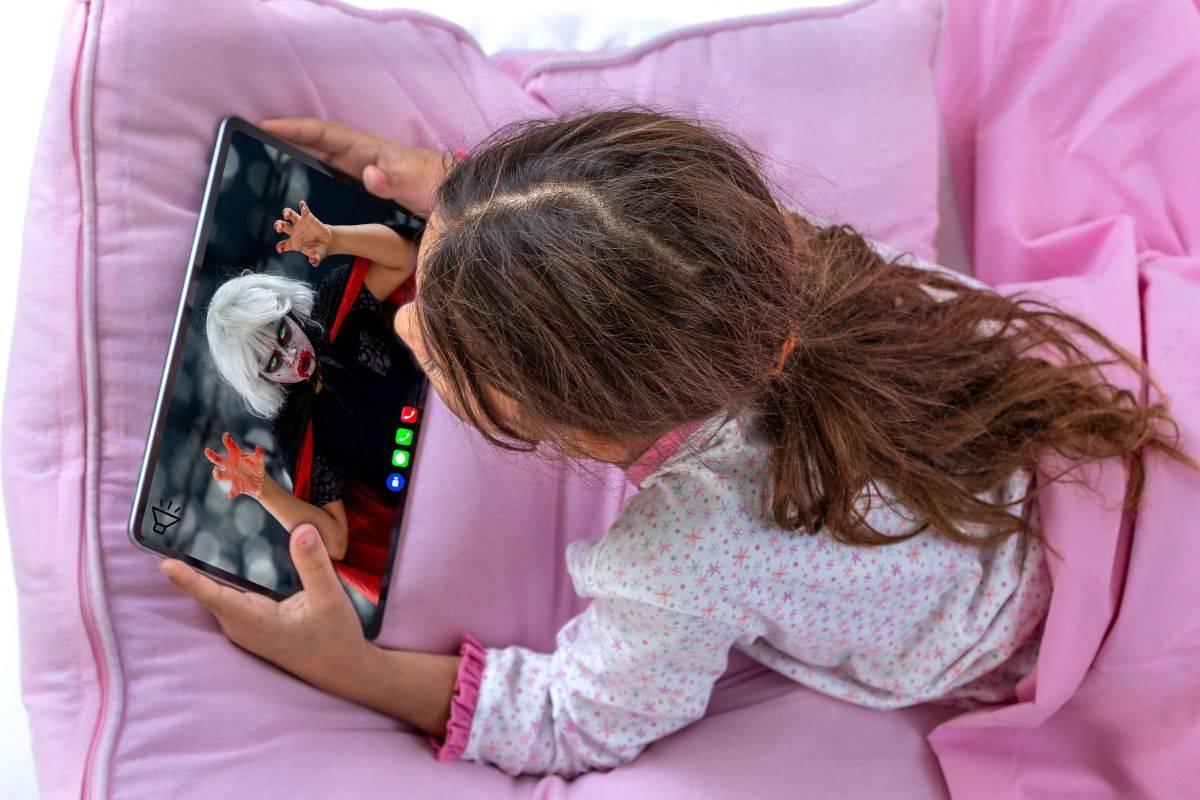Забираю планшет – ребенок в истерике. что делать? как гаджеты влияют на детей