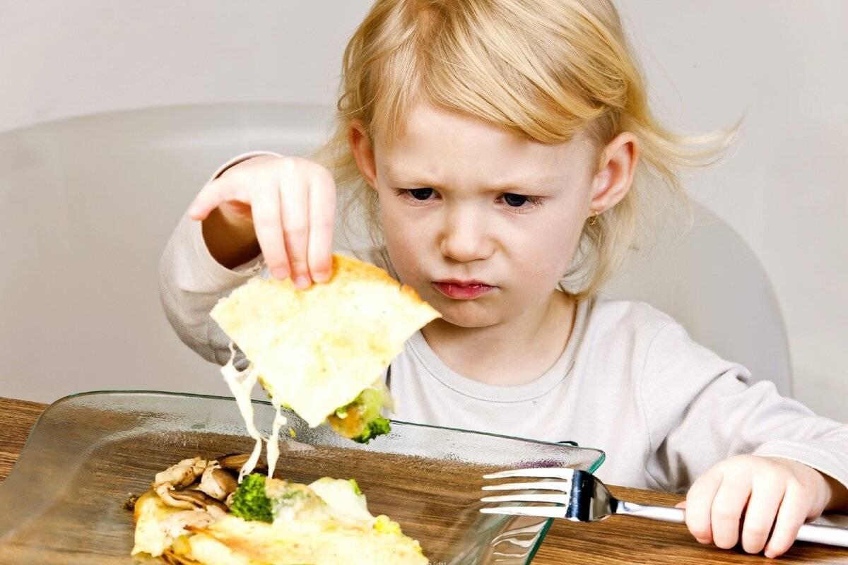 Накормить малоежку: 9 хитрых способов