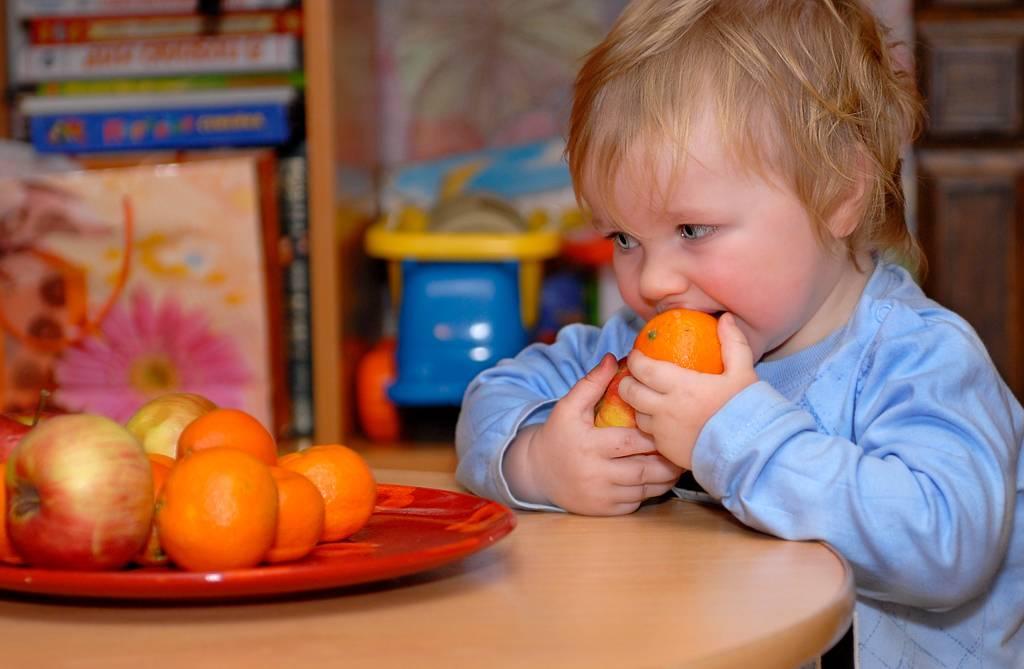 Мандарины для детей (когда, сколько, какие)