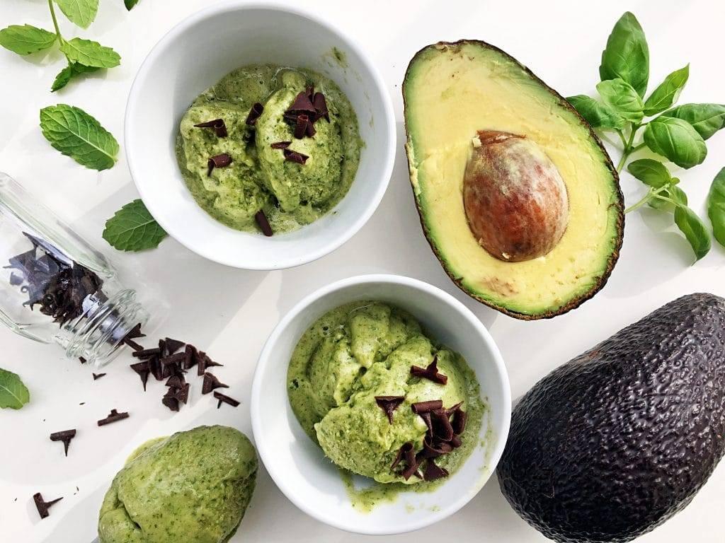 Авокадо: уникальные полезные свойства и когда его можно предлагать детям в качестве прикорма | малыш здоров!