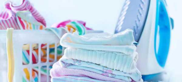 Нужно ли гладить детские вещи после стирки с двух сторон: зачем гладить новорожденным, что говорит комаровский на этот счет и до какого возраста это делать?