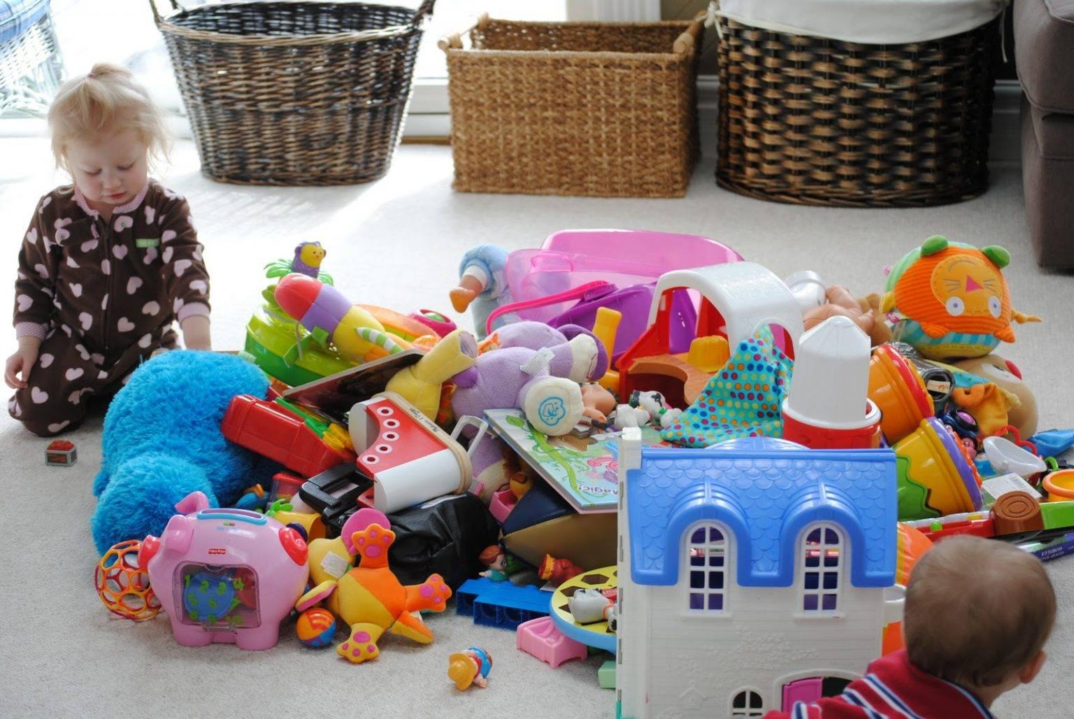 Как научить ребенка убирать игрушки: проверенные советы