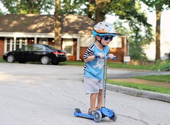 Как научить ребенка кататься на велосипеде, самокате, роликах и коньках