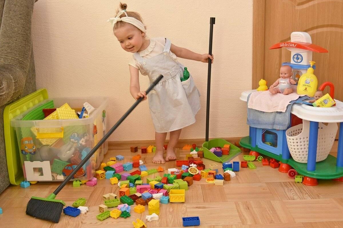 3 способа приучить ребенка убирать за собой игрушки