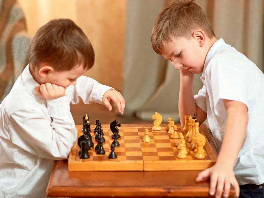 Как научить ребенка играть в шахматы в домашних условиях