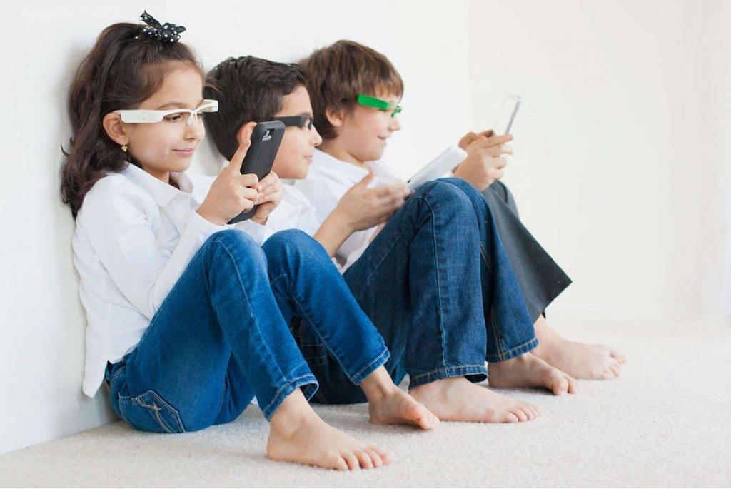 Дети и гаджеты: плюсы и минусы. как отучить ребенка от планшета?