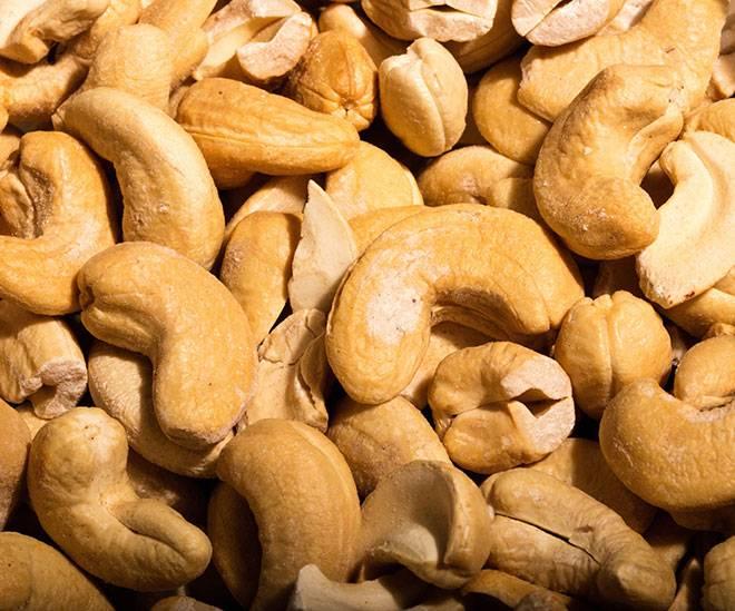 Какие орехи можно при грудном вскармливании: польза и вред миндаля, арахиса, фундука, кешью, грецких и кедровых орехов