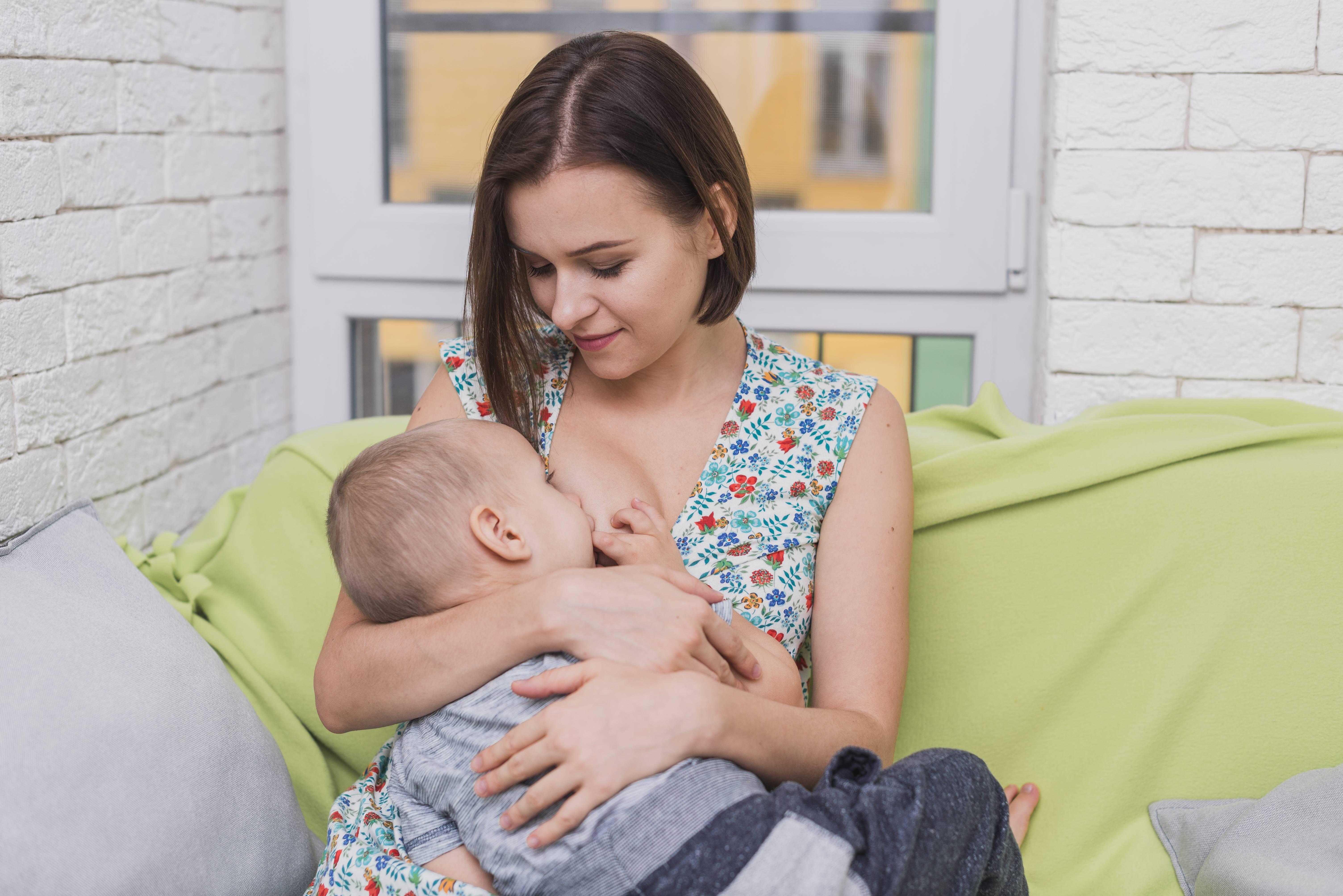 Как совместить беременность и кормление грудью?