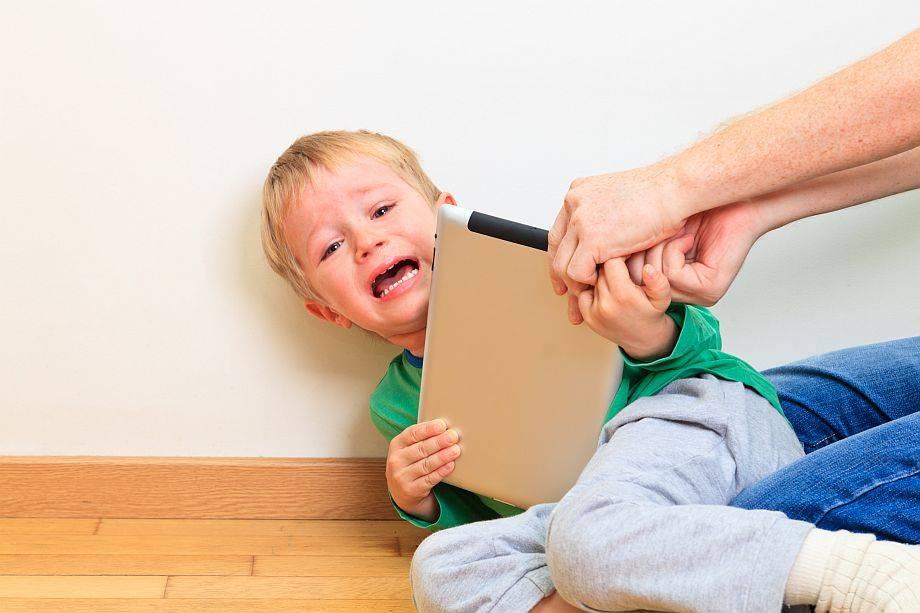 «засел в гаджетах — почините мне ребенка». психолог мария триерс — о цифровой зависимости и отношениях в семье | православие и мир