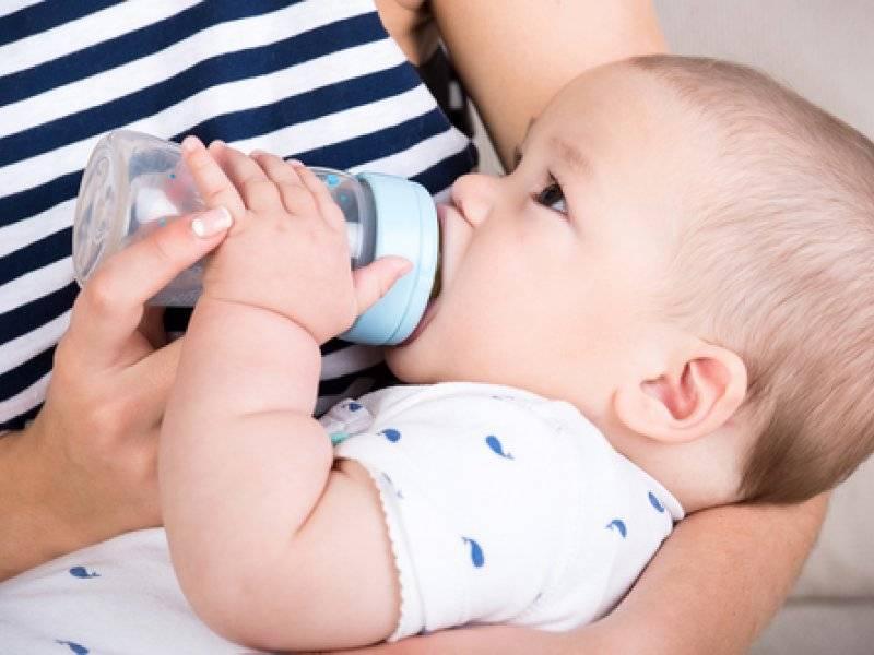 Жвачка при гв: можно ли кормящей маме, с какого месяца и какую лучше выбрать?