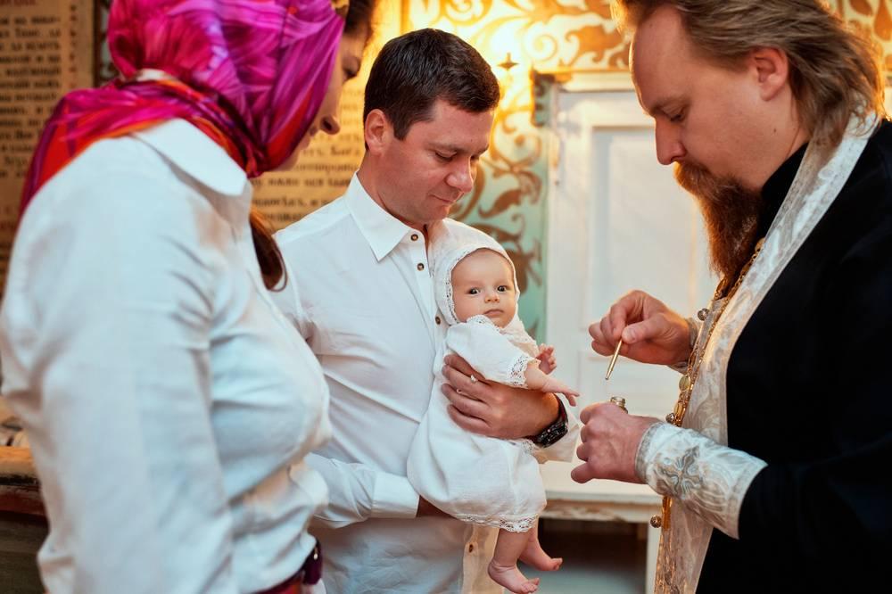 Обряд крещения ребенка в православии: правила для крестных