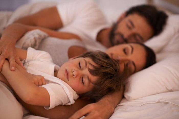 Спать раздельно или вместе: аргументы за и против :: жизнь :: рбк стиль