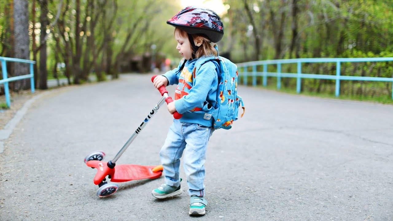 Как выбрать самокат для ребенка 3-4 лет?