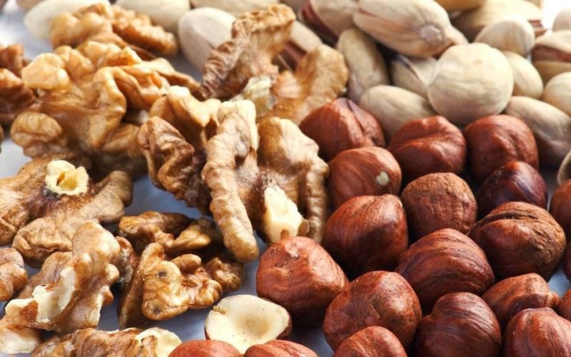 Какие орехи можно включать в рацион кормящей мамы
