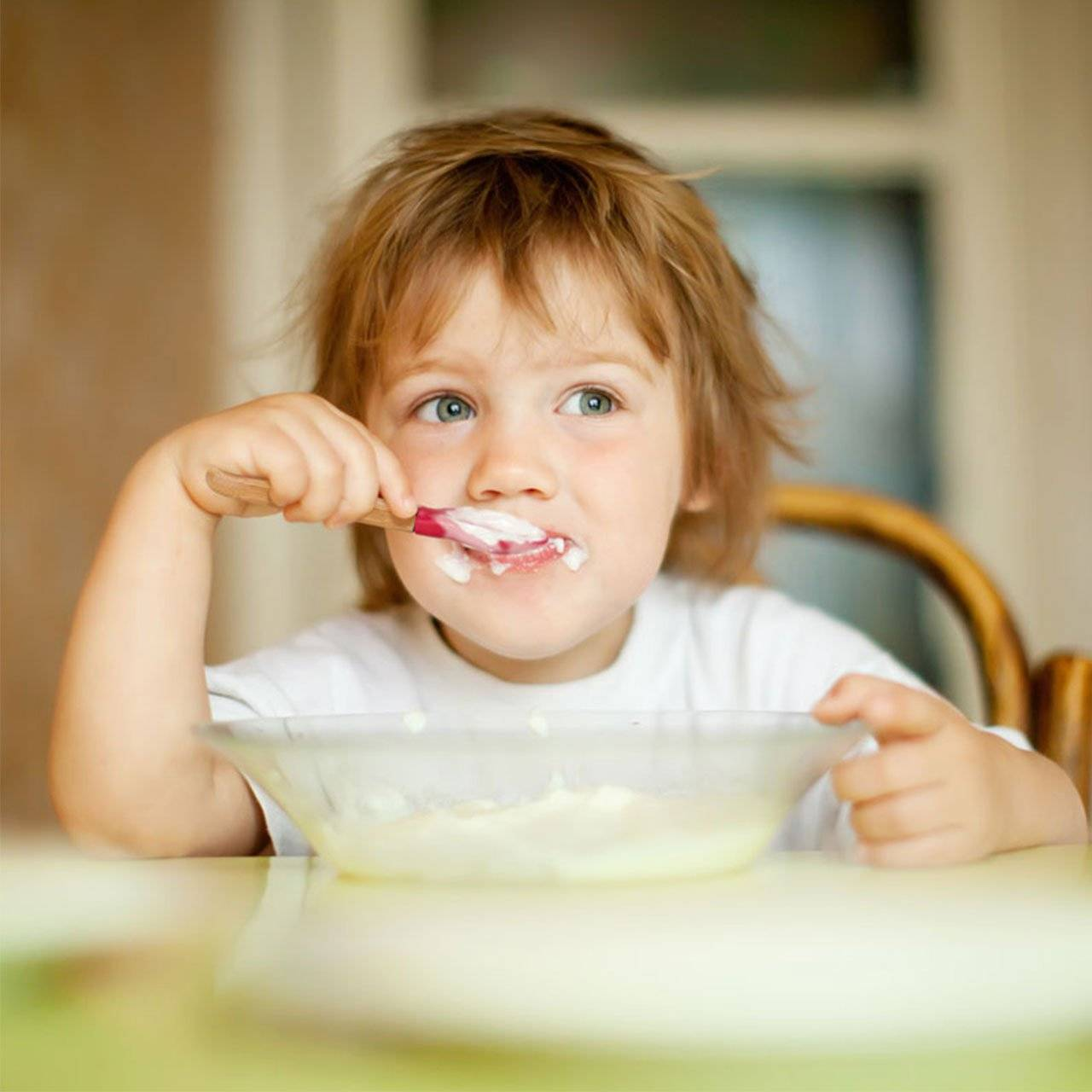 Ребенок не ест молочные продукты, как приучить его к молоку