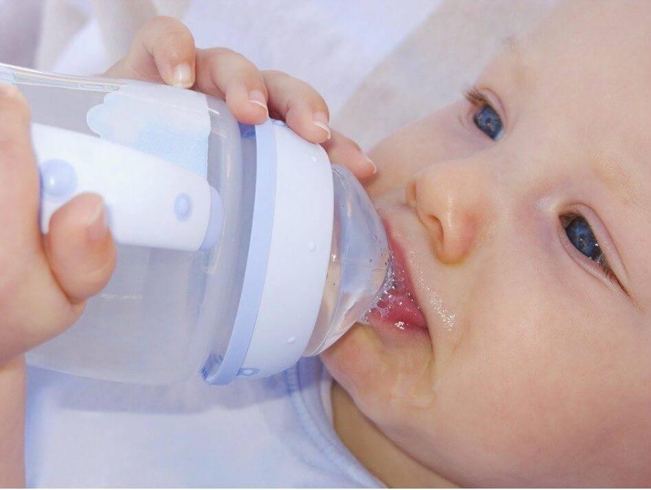 Икота у новорожденных: почему начинается и как помочь