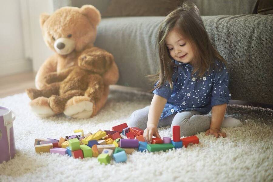 Что делать, если ребенок постоянно ломает игрушки