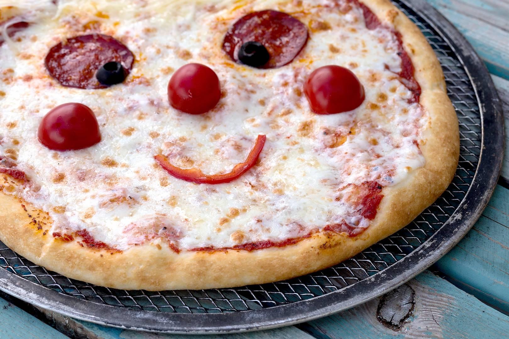 Вкусная пицца для ребенка - пошаговые рецепты