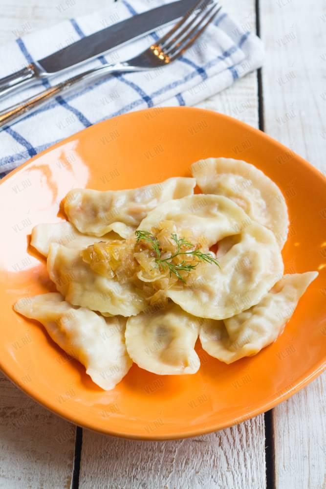 Можно ли вареники с картошкой, творогом, вишней кормящей маме?