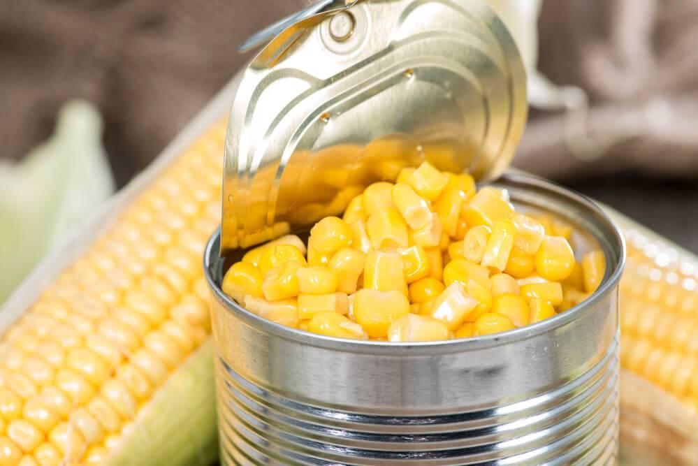 Можно ли кукурузу при грудном вскармливании, какие польза и вред?
