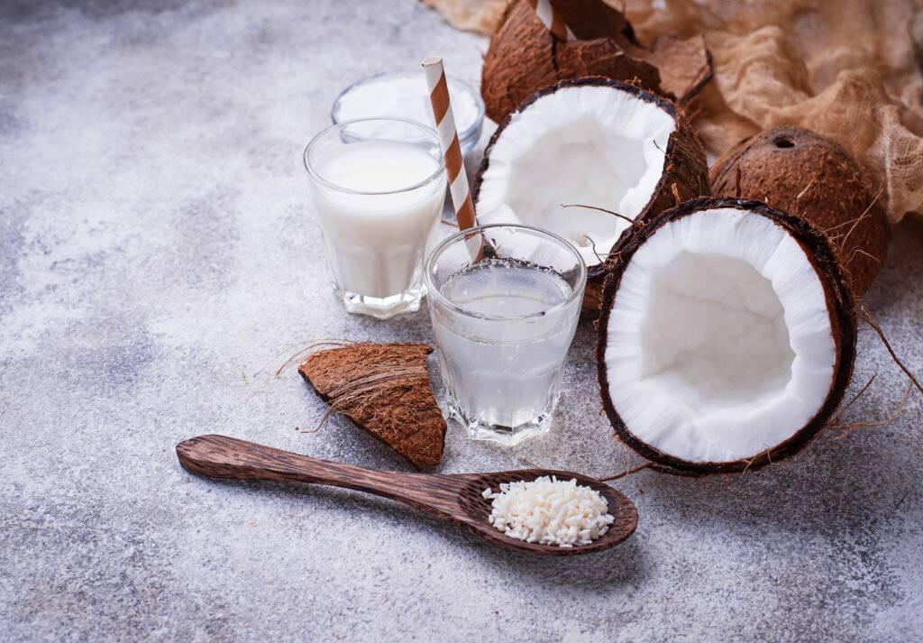 Кокосовое молоко: польза и вред, калорийность и полезные свойства +состав   xn--90acxpqg.xn--p1ai