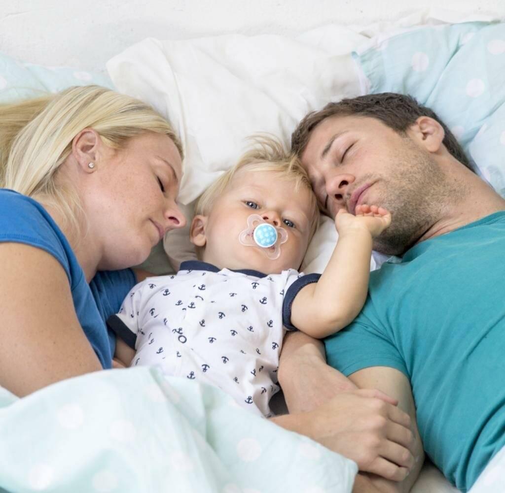 Совместный сон с ребенком и как приучить его спать отдельно