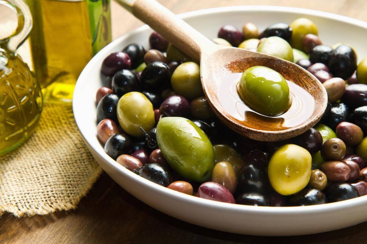 Можно ли оливье при грудном вскармливании? меняем состав