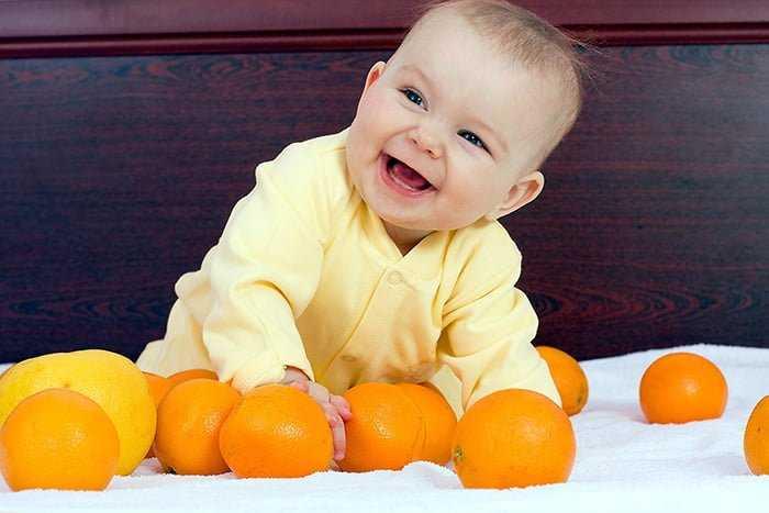 Когда можно давать ребенку мандарины