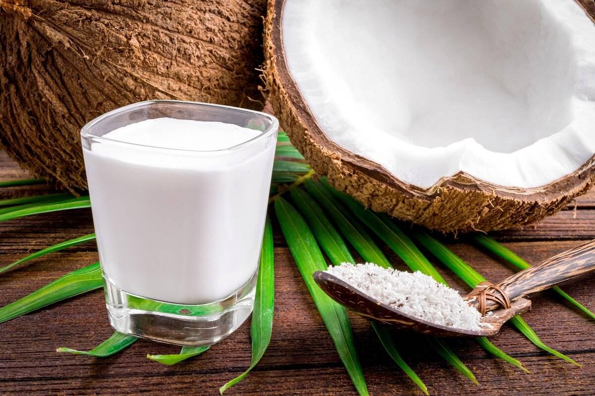 Кокосовое молоко: польза и вред, калорийность и полезные свойства +состав