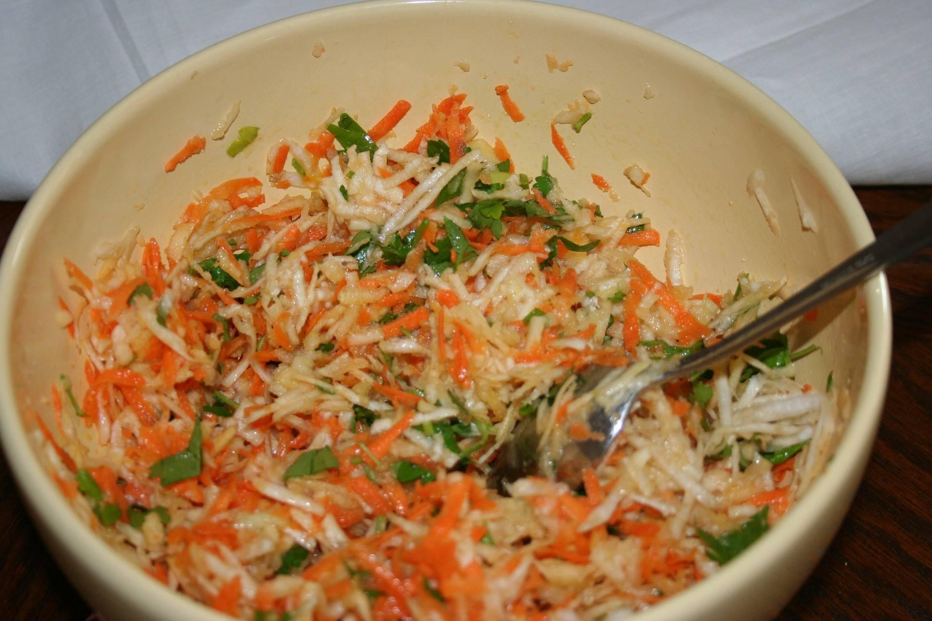 Вкусные салаты для кормящей мамы: 5 легких рецептов