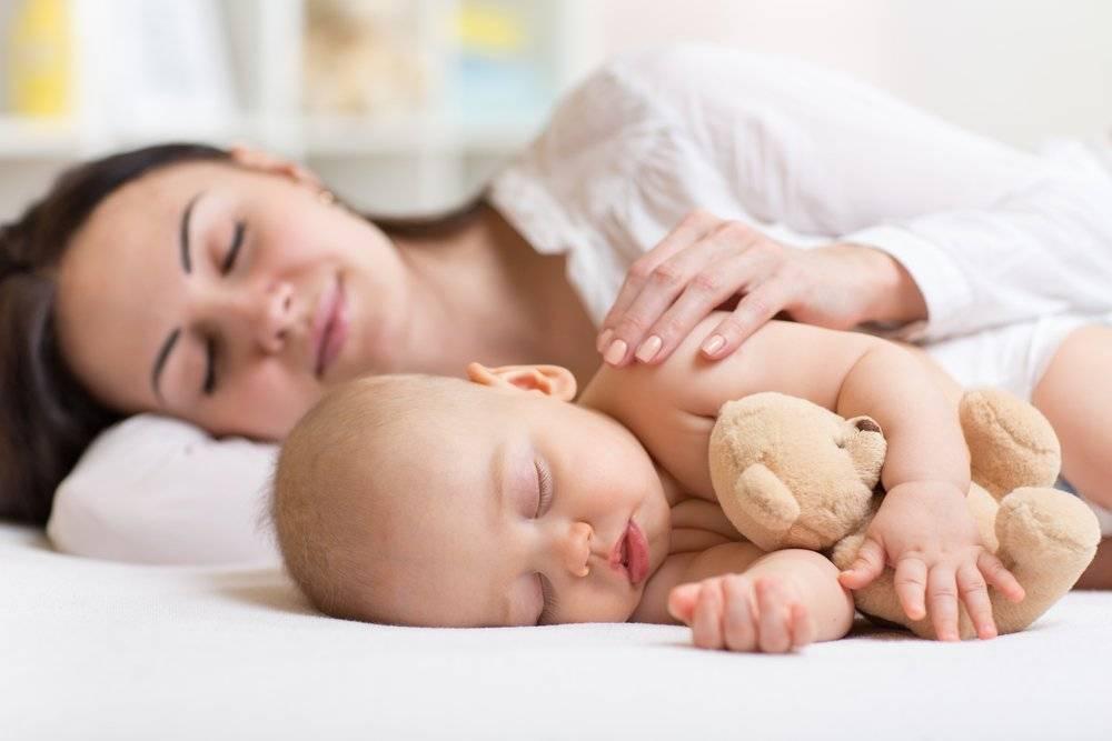 Будить ли новорожденного для кормления днем   мама супер!