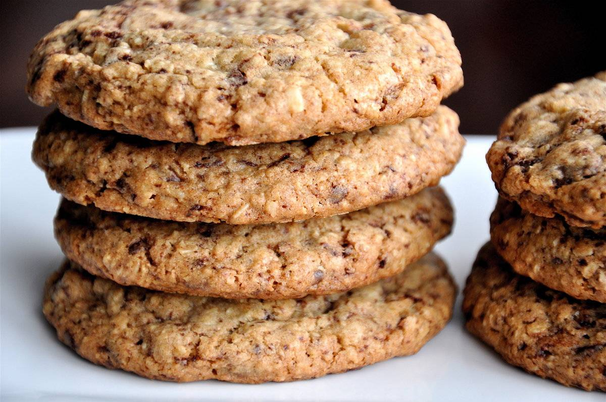 Может ли овсяное печенье вызвать колики. можно ли есть овсяное печенье при грудном кормлении, как влияет продукт на организм. какое лакомство самое безопасное