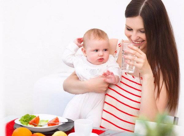 Кефир при грудном вскармливании:можно ли кормящей маме