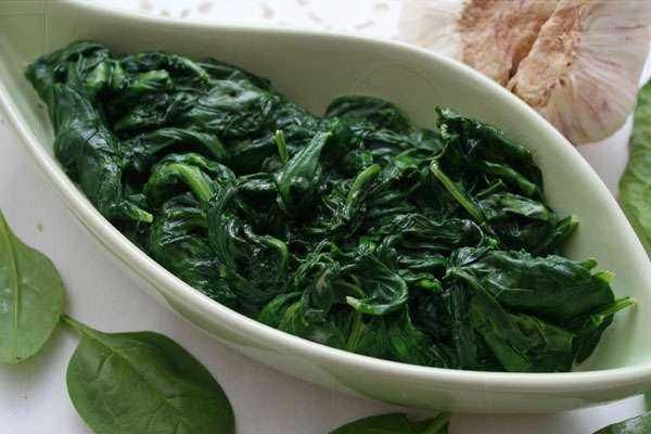 Шпинат: чудо-овощ для кормящей мамы