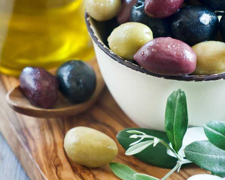 Можно ли маслины при грудном вскармливании. можно ли кормящей маме оливки? общие правила питания