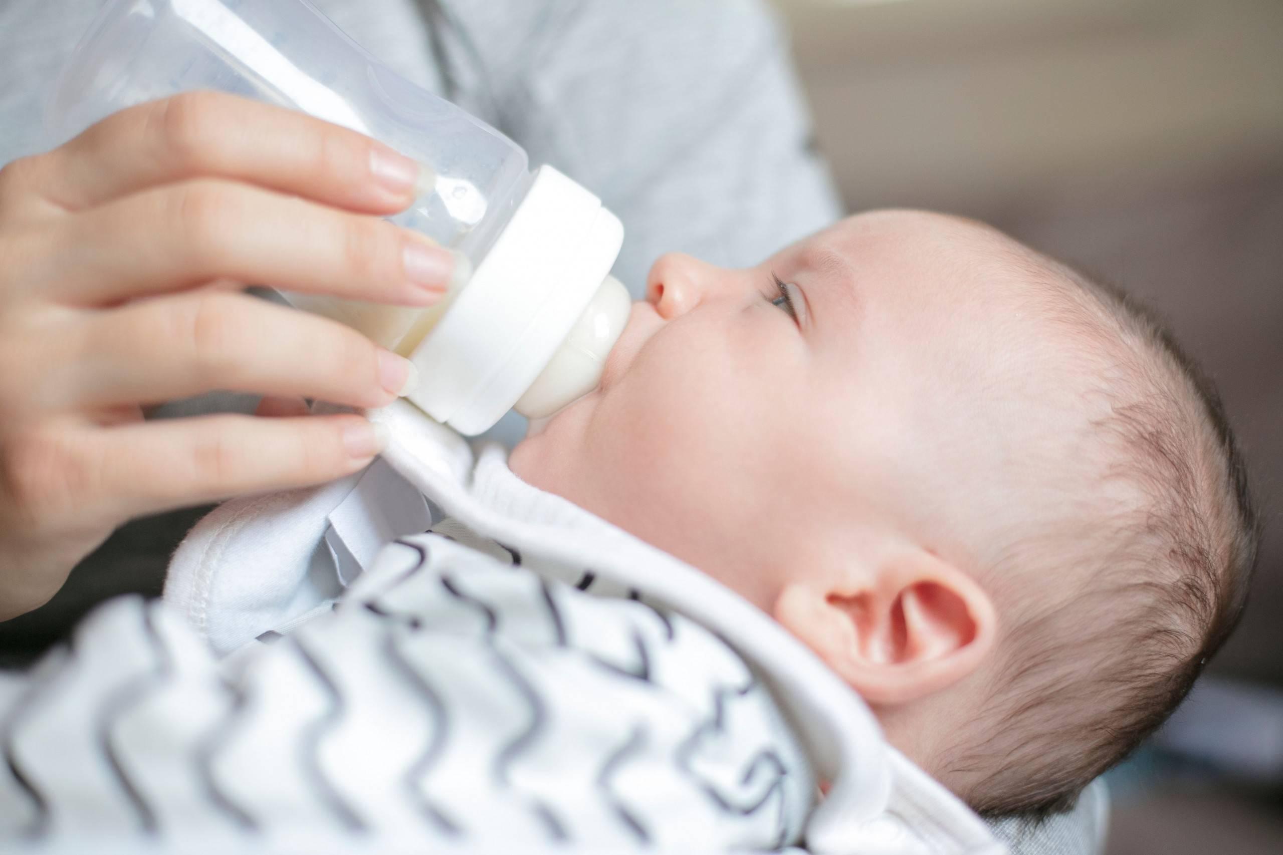 Икота у новорожденных после кормления: что делать маме. козья смесь для новорожденных кабрита