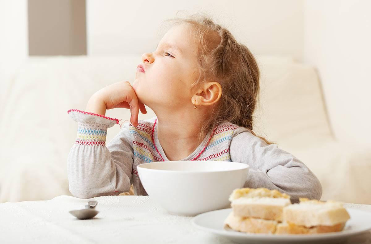 Как накормить малоежку в 1, 2, 3 года и чем его кормить? отвечаем на mamsy