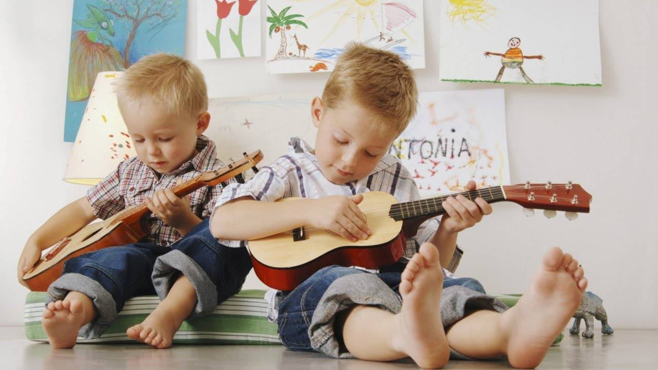Как развить музыкальный слух и ритм у ребенка: игровые упражнения