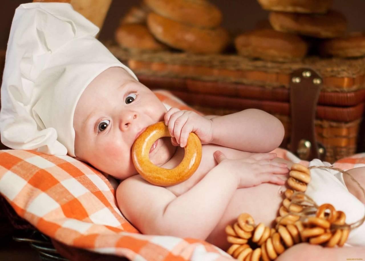 С какого возраста можно давать хлеб ребенку