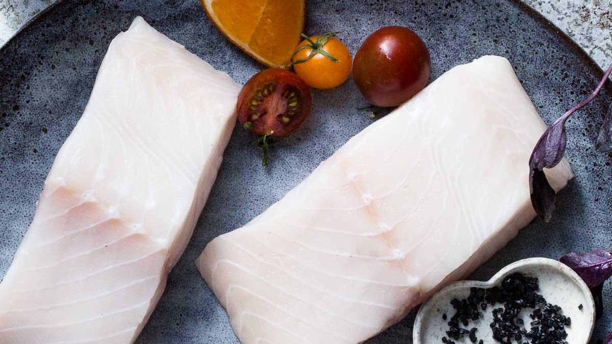 Какую рыбу можно кормящим мамам: селедка, семга, форель