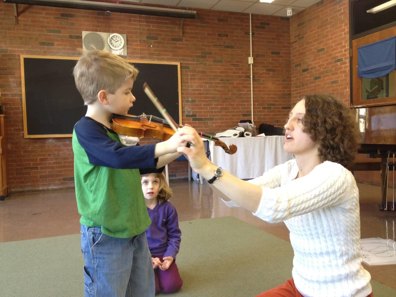 Упражнения по музыкально-слуховому развитию для детей раннего возраста от года до трёх лет с использованием методики к. орфа
