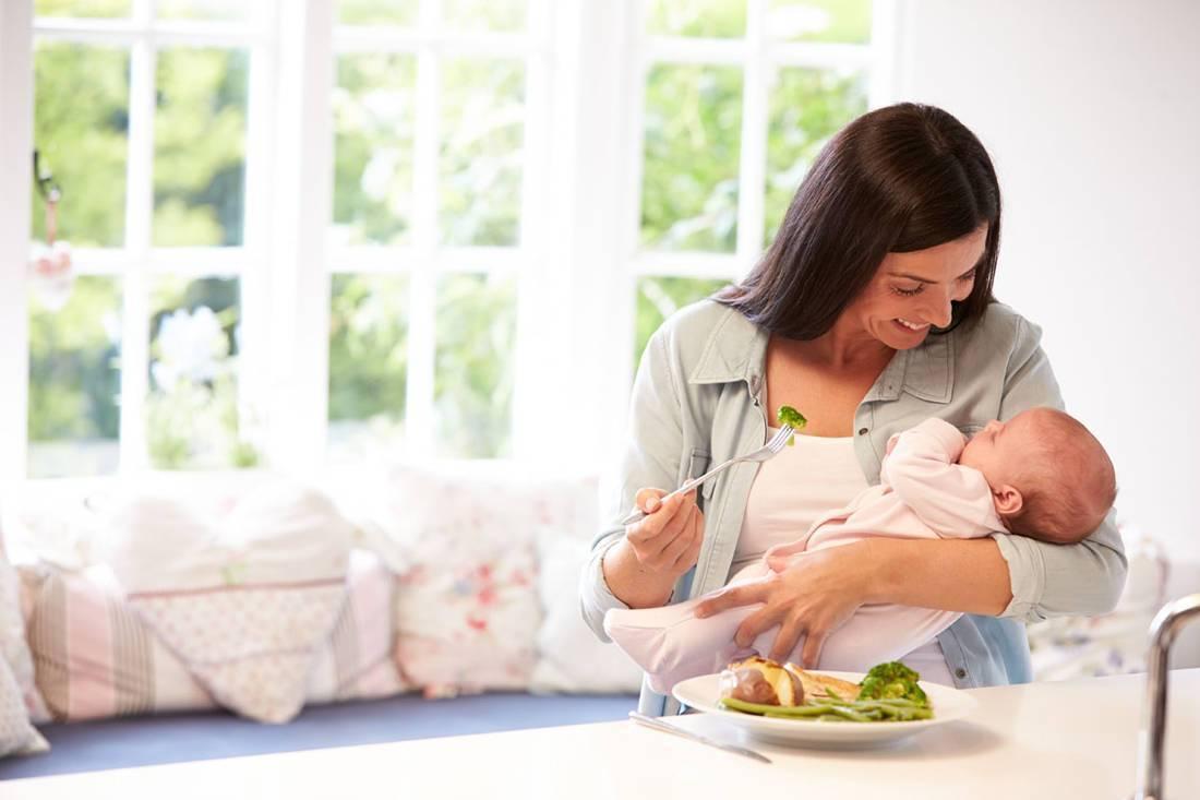 Грудное вскармливание во время беременности. кормление и новая беременность.
