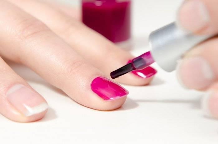 Можно ли красить ногти при грудном вскармливании