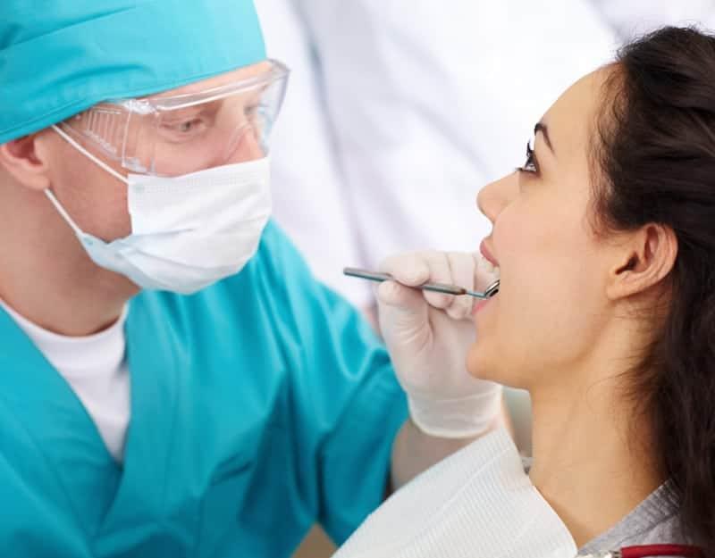 Шатается зуб: что делать, передний зуб, молочный зуб, коренной зуб, у взрослого, болит