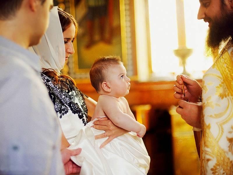 Как выбрать крестного отца для мальчика и крестную мать для девочки