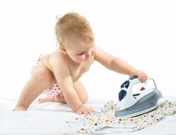 Нужно ли стирать и как гладить вещи для новорожденного ребенка и грудничка | малыш здоров!