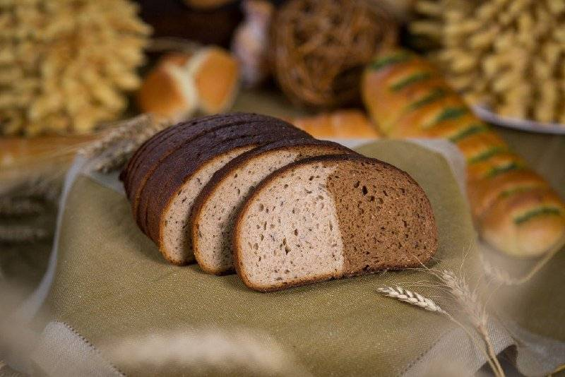 Можно ли есть хлебцы при грудном вскармливании, в какое время и как вводить в рацион ребенка?