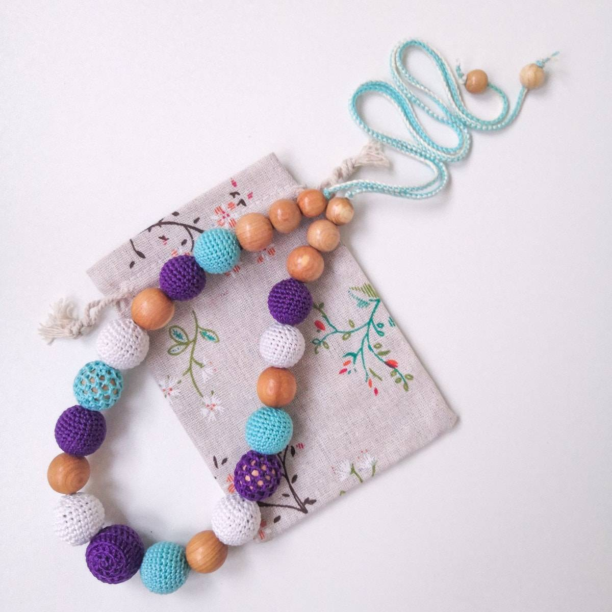 Слингобусы своими руками: игрушка для ребёнка и модное украшение для мамы