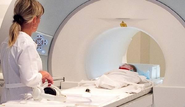 Мрт новорожденным, как делаютпод наркозом, опасна ли томография грудничку